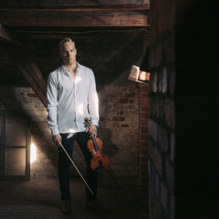 one_violin_pekka_niemi1_19kp